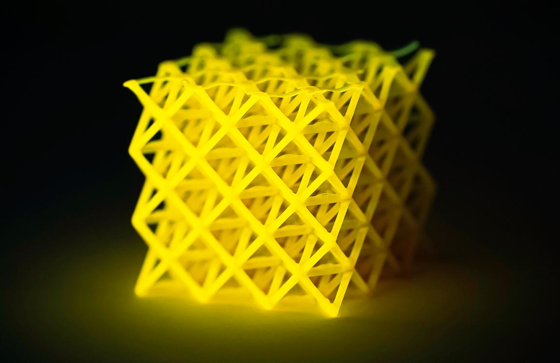 Photograph of a three-dimensional lattice composed of polyacrylate.
