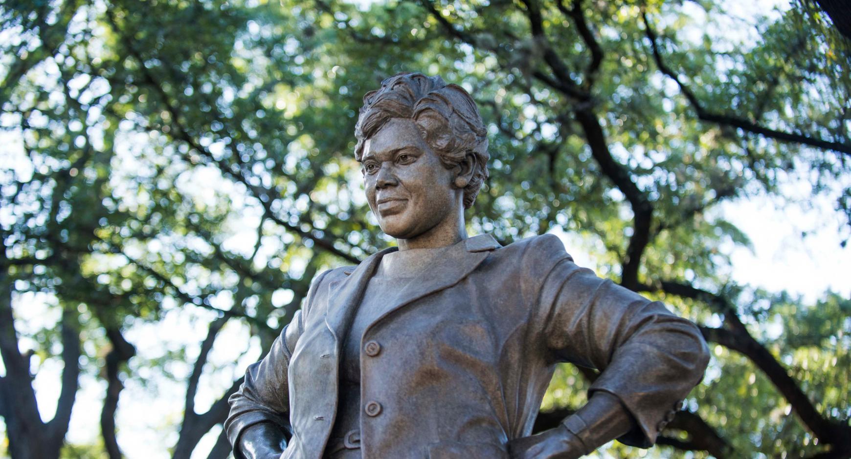 Statue of civil rights champion Barbara Jordan on UT Campus